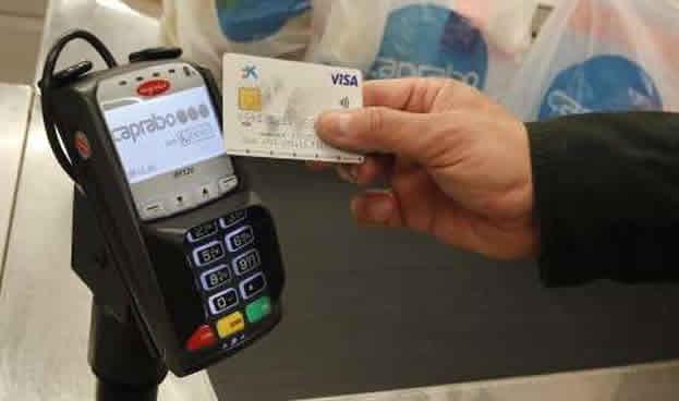 El gasto con tarjetas de crédito sin contacto en España alcanzó los 29,4 millones hasta marzo