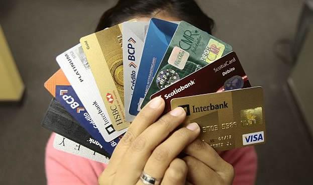 Uso de tarjetas de crédito en Perú crece solo 10% por desaceleración