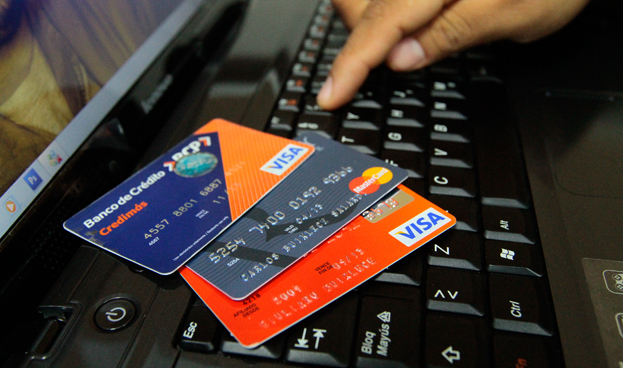 Se reduce el número de tarjetas de crédito en Perú