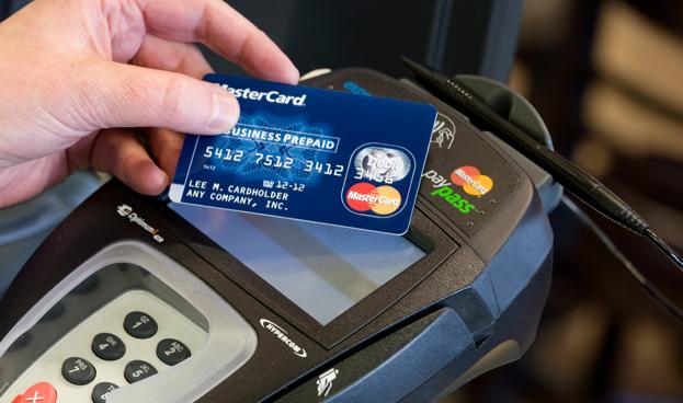 Los pagos distintos al efectivo crecieron un 8,5 % en 2012, según un estudio