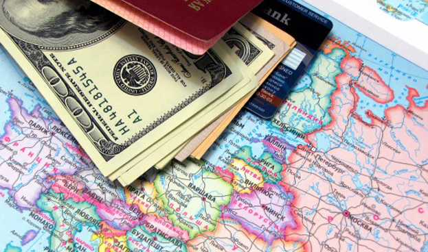 En Argentina analizan fijar cupos para la compra con tarjeta de crédito en el exterior
