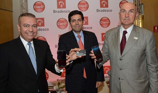 Claro y Bradesco anuncian un sistema de pago con celulares en Brasil