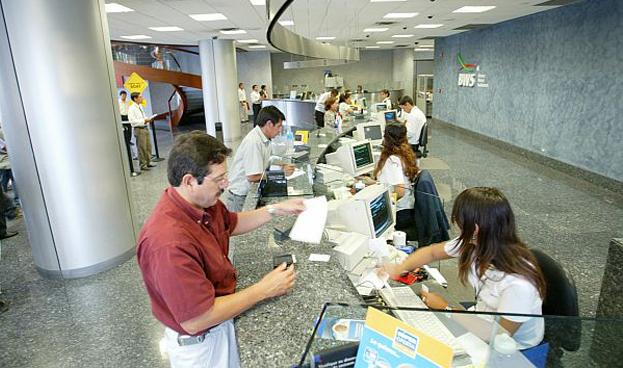 Más de la mitad de los consumidores se sienten infravalorados por su banco