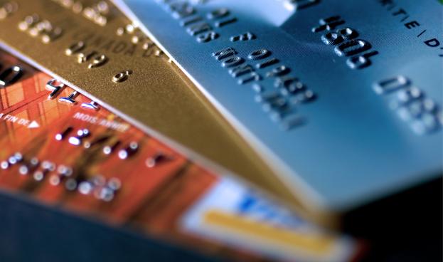 Venezolanos deben Bs. 78.416 millones por tarjetas de crédito
