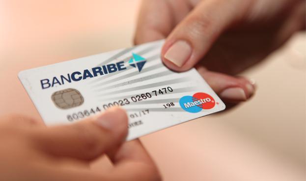 Evitar deudas lleva a que los tarjetahabientes prefieran el débito