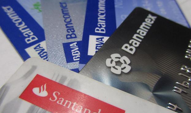 Crece número de tarjetas de crédito en México