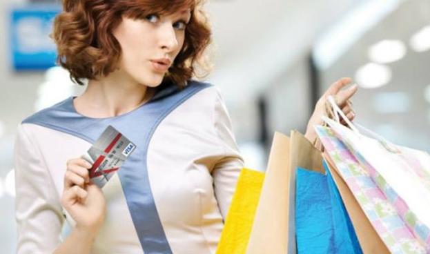 En Argentina las compras con tarjetas cuestan entre 10% y 40% más que en efectivo
