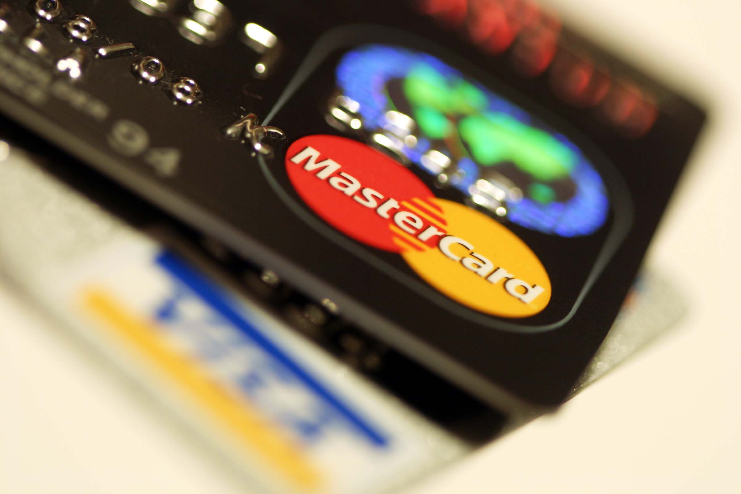 Visa y MasterCard negocian su futuro en Rusia