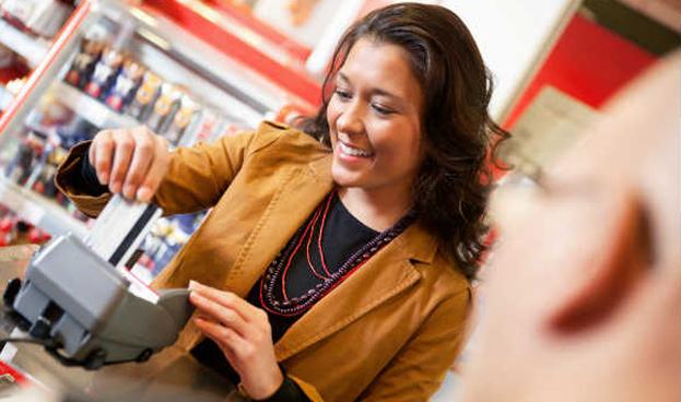Venezuela: Aumenta 90% el uso de tarjetas de crédito para pagar alimentos