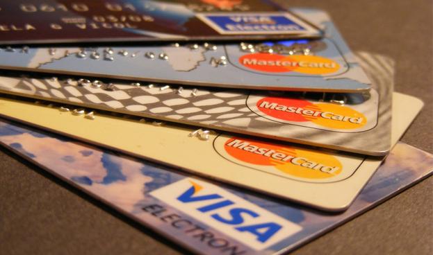 Los pagos con tarjetas de crédito y débito crecieron un 16,3% en Brasil