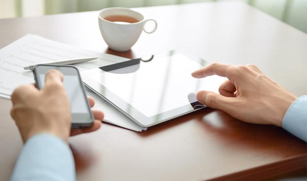 Las aplicaciones de banca móvil unen a los clientes con sus entidades financieras