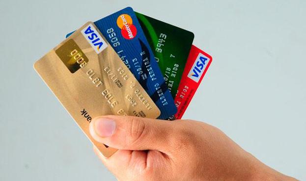 La banca española acelera la emisión de tarjetas de crédito