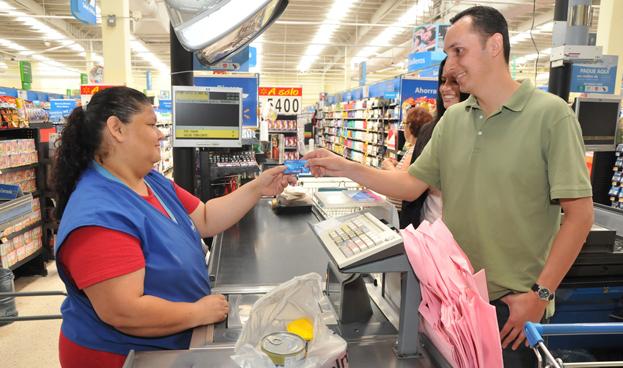 En México crecen las tarjetas de crédito de comercios