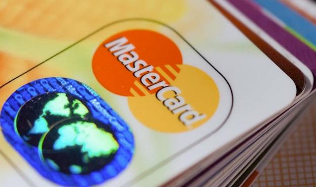 El gasto medio con tarjeta de crédito en España crece un 24,5% en 2014