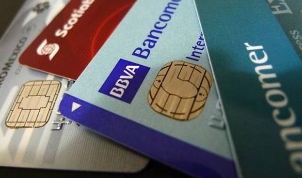 Mexicanos usan más la tarjetas de crédito