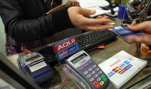 Chile: Transacciones por internet y débito se multiplican seis y diez veces en una década