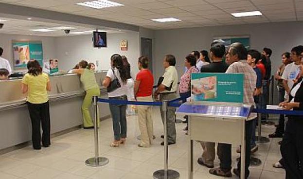 Perú: unas 2,8 millones de tarjetas de crédito son pagadas presencialmente