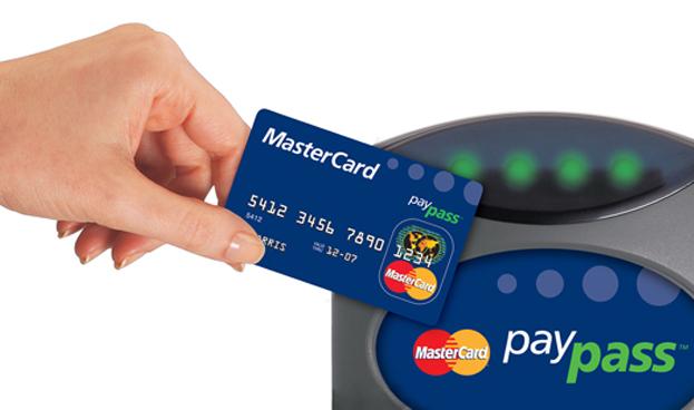 Gasto y transacciones con tarjetas contacless MasterCard se multiplica por 12 en España