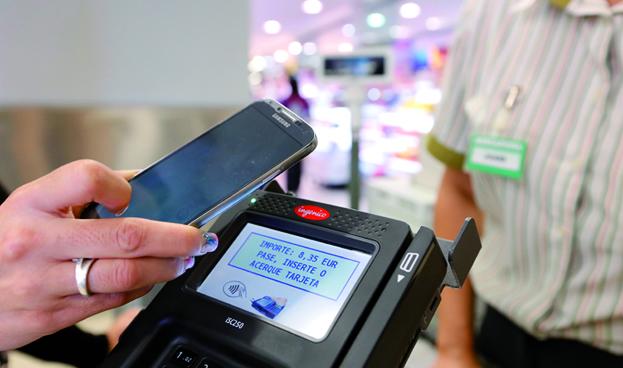 Visa y Mastercard dan un paso adelante hacia los pagos móviles