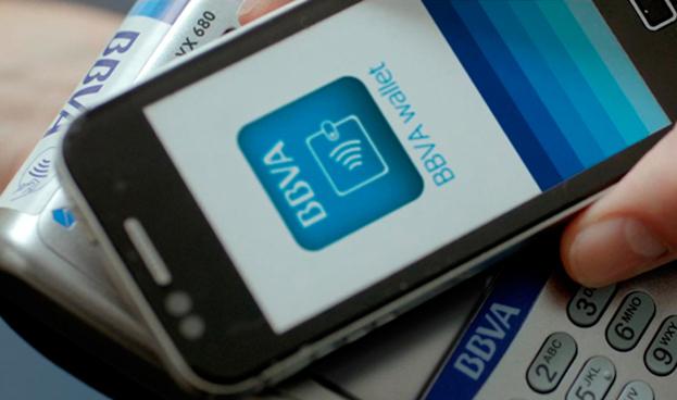 BBVA le hace frente a Google y a Apple Pay