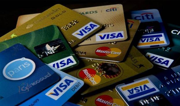 Chile: tarjetas del retail a la baja tras cambio en el modelo