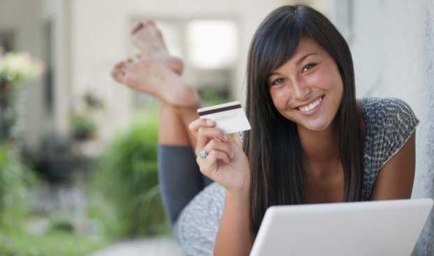 Chile: universitarios son objetivo de bancos y sus tarjetas de crédito