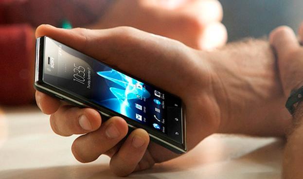 España: El 71% de los jóvenes usa el móvil para conectarse a la banca electrónica