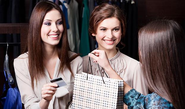 Volvieron en Argentina los grandes descuentos en ropa con tarjetas de crédito