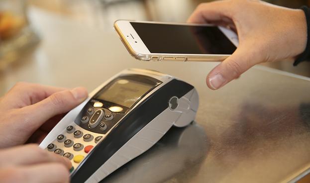 Bancos pierden en pagos móviles ante firmas tecnológicas