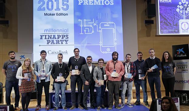 España CaixaBank premió a los creadores de un dispositivo para compartir gastos conectando el móvil