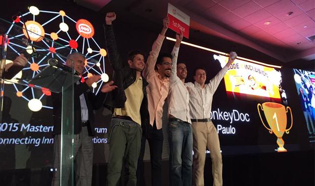 Codificadores Brasileños Ganan el Primer Premio en el Hackathon Code4Inclusion