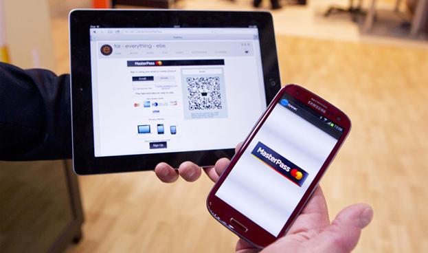 Uno de cada cinco españoles utiliza el teléfono móvil para hacer pagos, según MasterCard