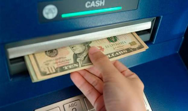 Argentina: fin al límite para extraer efectivo en el exterior con tarjetas
