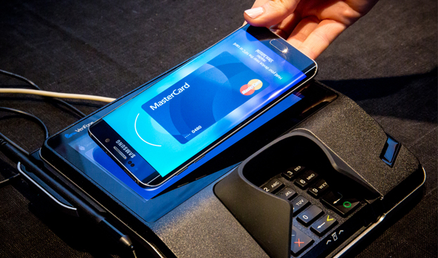 CaixaBank llega a un acuerdo con Samsung para incorporar a su oferta Samsung Pay