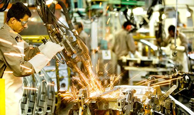 Brasil, en caída libre: su producción industrial se derrumbó 8,3% en 2015