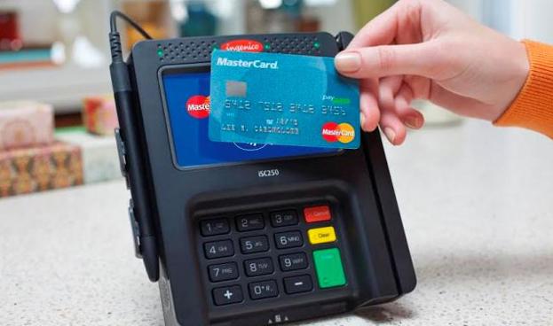 Pagos con tarjeta contactless MasterCard se triplican en 2015 en España