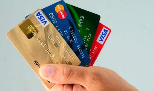 Guatemala: suspenden ley de tarjetas de crédito