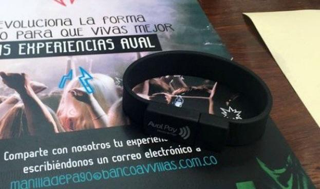 En Colombia Grupo Aval lanza pulsera para pagar sin tener que usar tarjetas o efectivo