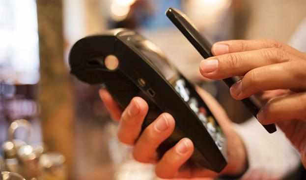 La banca española está preparada para la batalla por el pago móvil