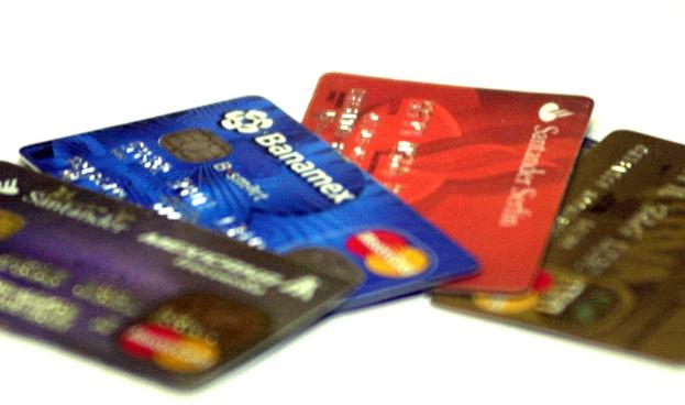 México: crédito vía tarjetas crece a su mayor tasa en más de dos años