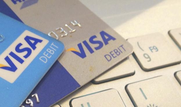 Visa se enfrenta a PayPal