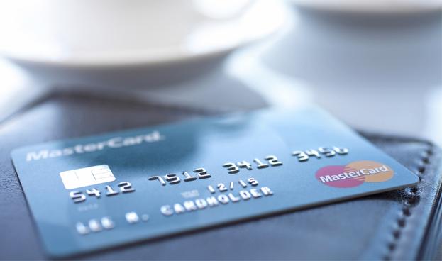 Un banco de Florida será el primero en emitir tarjetas de débito para Cuba