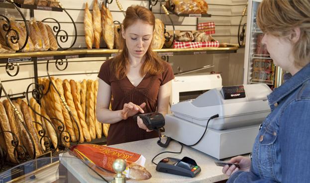 El 42,8% de los pequeños negocios en España acepta pagos con tarjeta