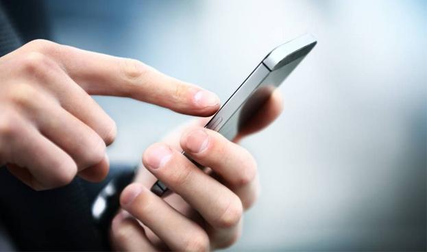 En España el uso de la banca móvil se duplica en los meses de verano