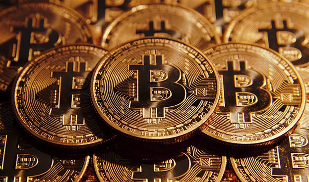 Santander señala que Bitcoin amenaza a empresas de tarjetas de crédito