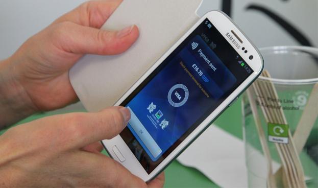 Los pagos móviles se disparan al tiempo que los europeos adoptan nuevos métodos de pago