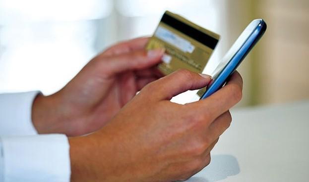 El 72% de los españoles realiza pagos a través del móvil, según Visa