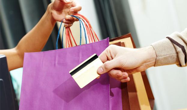 En Argentina la recesión no llegó a los consumos con tarjeta