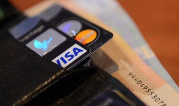 En Costa Rica el efectivo aventaja al uso de tarjetas de crédito y débito