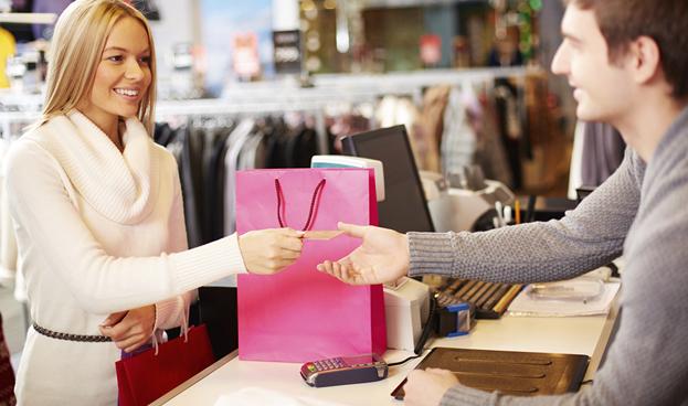 Cuando la autoestima baja, la gente usa la tarjeta de crédito